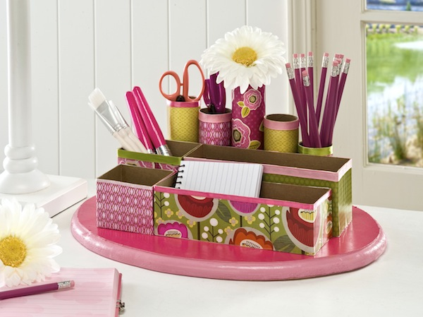 Recycle Craft DIY desk organizer plus 10 of the best DIY back to School ideas. Awesome ways to stay organized and get ready for back to school. the36thavenue.com