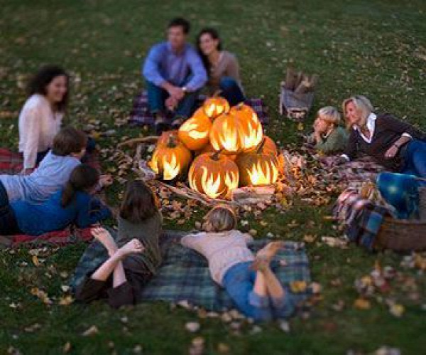 Pumpkin Bonfire - Some guests may prefer to relax the night away rather than dance the night away.