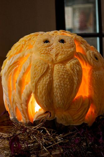 Holy Smokes!  Talk about an over-achiever!  Won't be carving any pumpkins like this any time soon.