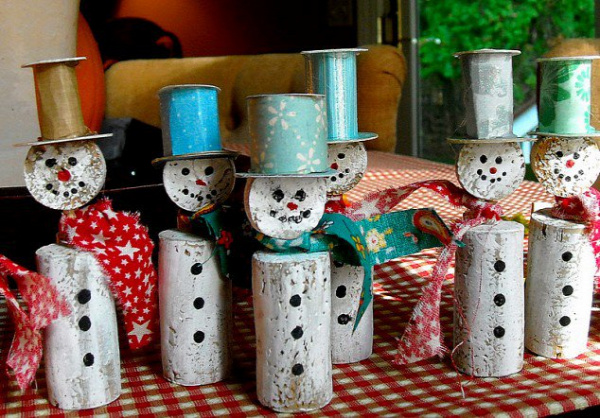 20-Brilliant-DIY-Wine-Cork-Craft-Projects-for-Christmas-Decoration5-1.jpg