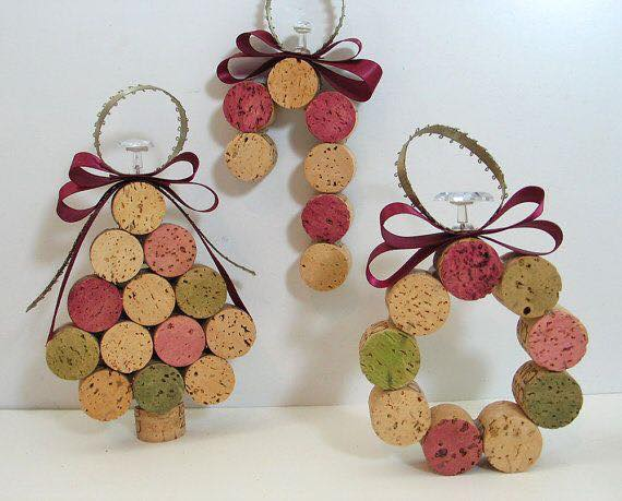 20-Brilliant-DIY-Wine-Cork-Craft-Projects-for-Christmas-Decoration7.jpg
