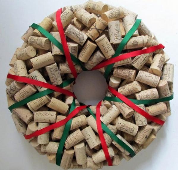 how to make wine cork wreath DIY christmas decoration ideas