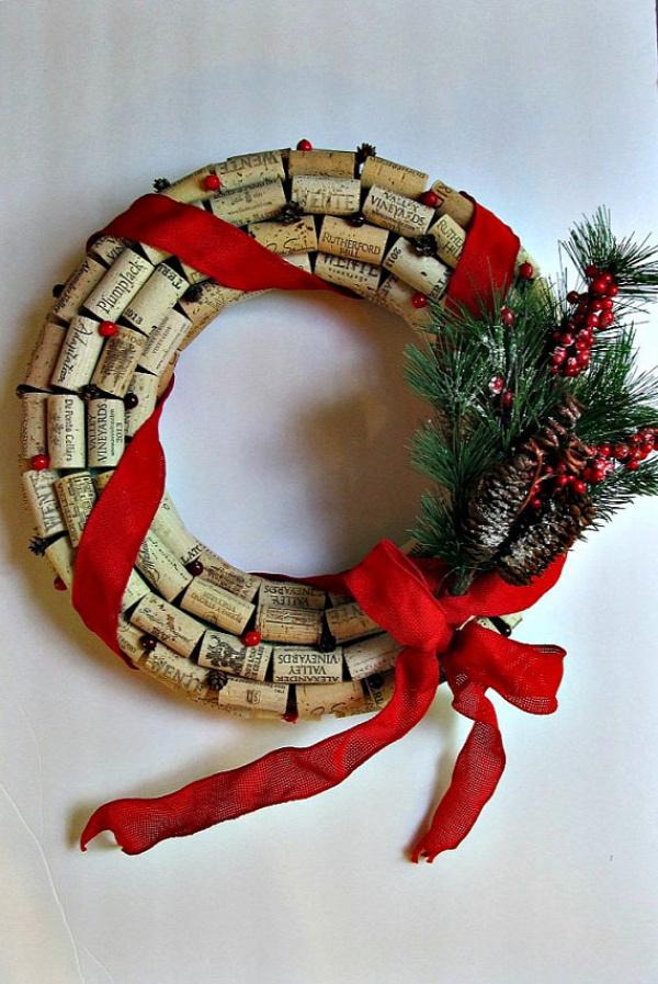easy DIY cork wreath ideas handmade christmas decoration