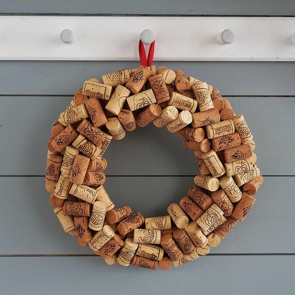 Christmas decoration ideas cork wreath DIY christmas wreaths