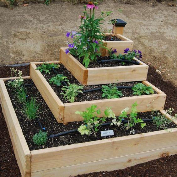 raklap fűszerkert kert tavasz ültetés