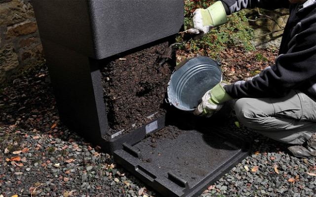 komposzt ásóvilla szita talaj november