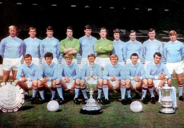 manchester city retrócity mike summerbee colin bell francis lee joe mercer malcolm allison neil young angol foci