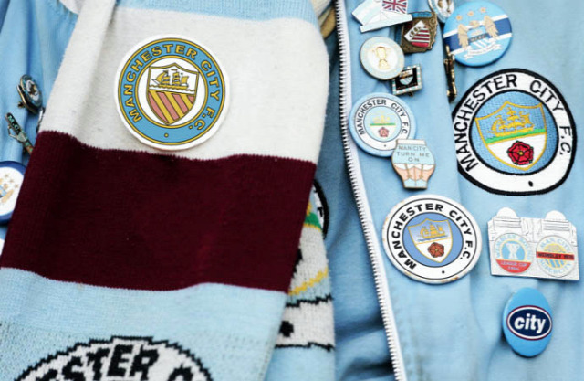 manchester city címer háttér noel gallagher retrócity