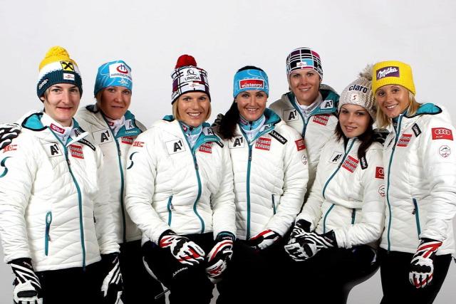 Az osztrák női csapat 2 évvel ezelőtt. Idén csak Görgl és Kirchgasser jöhet számításba