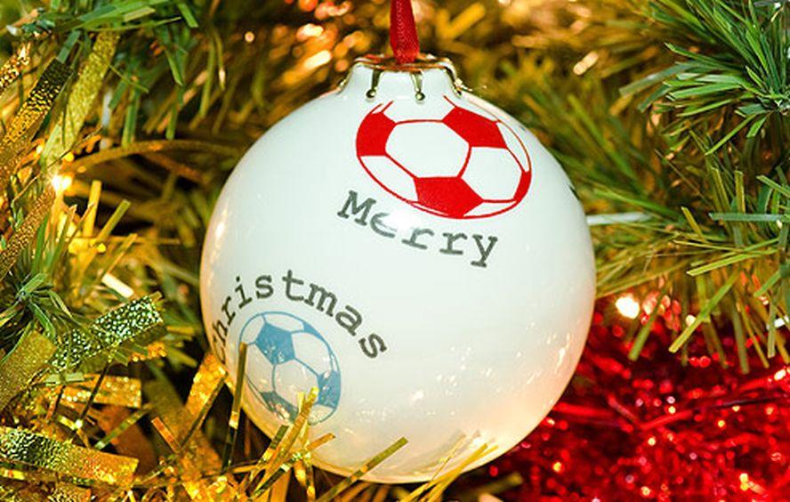 Новогодние открытки футбольные, картинках