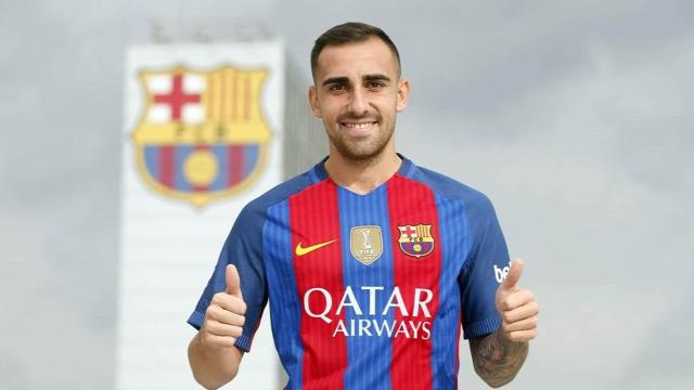 Paco Alcacer FC Barcelona csatárt igazoltunk emberek
