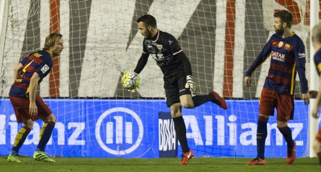 27. forduló csütörtök Barcelona Granada Rayo Vallecano Sporting Gijón Real Betis Espanyol bírói hibák