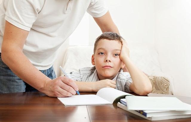 gyereknevelés szülői attitűd snowploughing parenting hóeke szülő