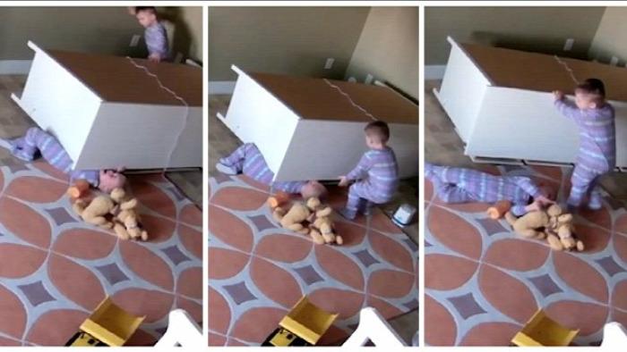 bútorok leesés baleset gyermekbaleset