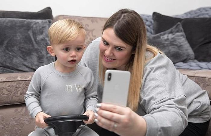 influencer instagram gyerek közösségi média