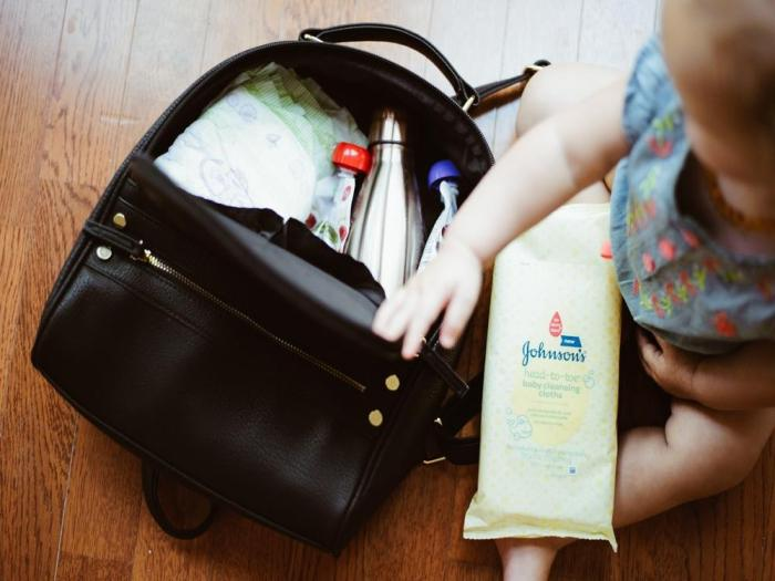 gyermekbaleset fulladás női táska