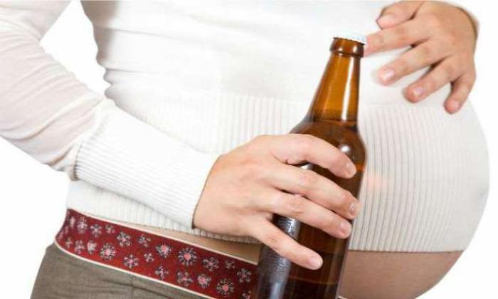 alkohol alkoholfogyasztás terhesség várandósság plakát ausztrália
