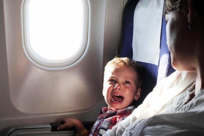 beteg gyerek repülés utazás beteg gyerekkel repülni