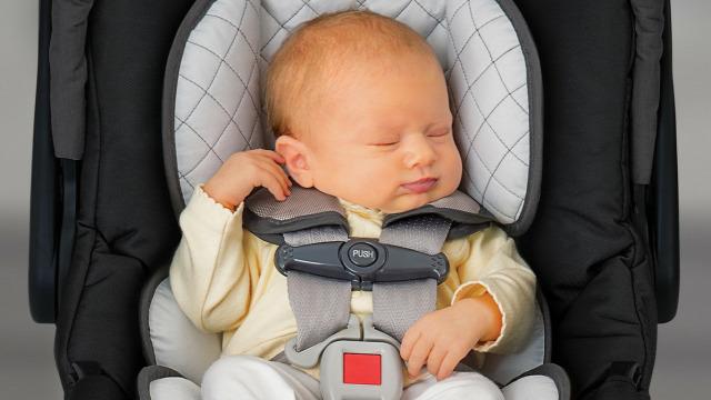 gyerekülés autósülés közlekedésbiztonság légzészavar