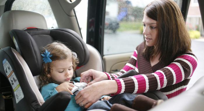 közlekedésbiztonság gyermekülés biztonsági gyermekülés balesetek menetirány utazási irány