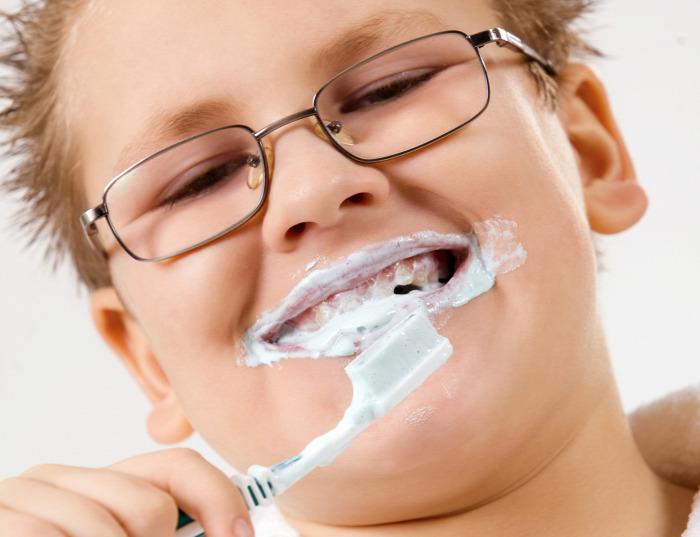 fogmosás fogkrém fluorid fogszuvasodás