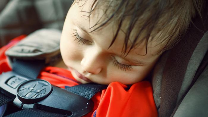 forró autó autóban hagyott gyerek