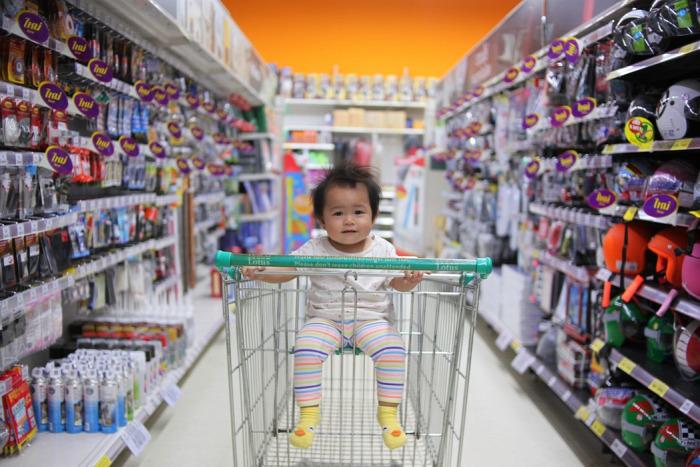 vásárlás gyerekkel vásárolni gyereknevelés