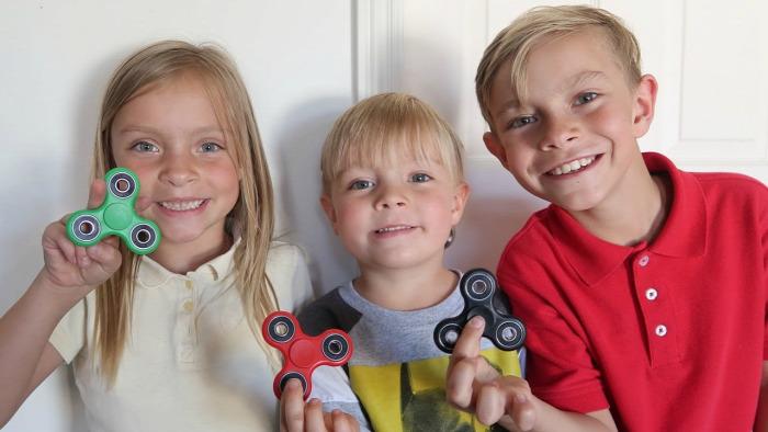 pörgettyű fidget spinner veszély veszélyek gyermekbaleset