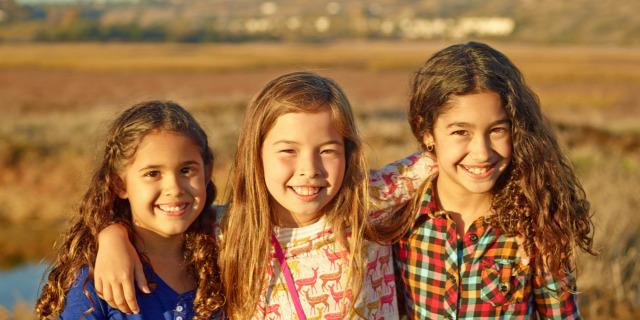 barát barátság gyerekkori barátság miért nincsenek barátai