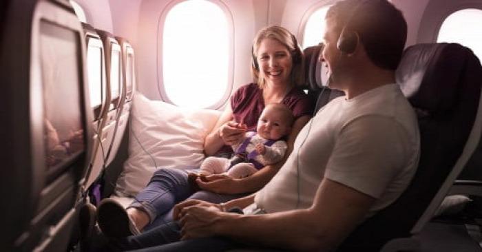 repülés kisgyerekkel repülni air new zealand economy skycouch