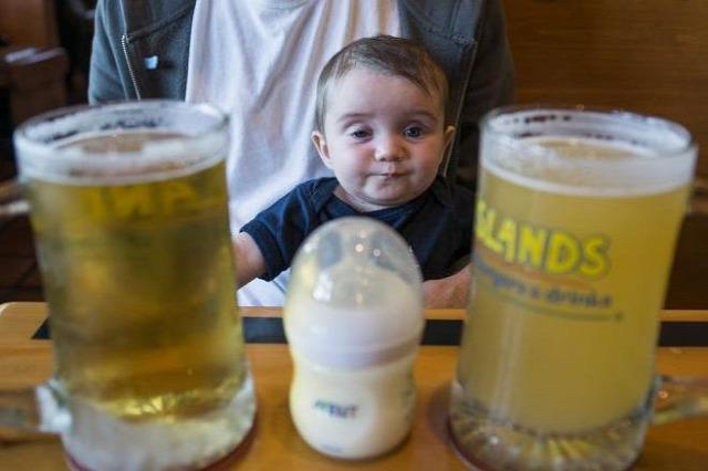 alkohol alkoholfogyasztás szeszes ital gyerekek gyermekek húsvét alkoholmérgezés gyermekkori alkoholmérgezés
