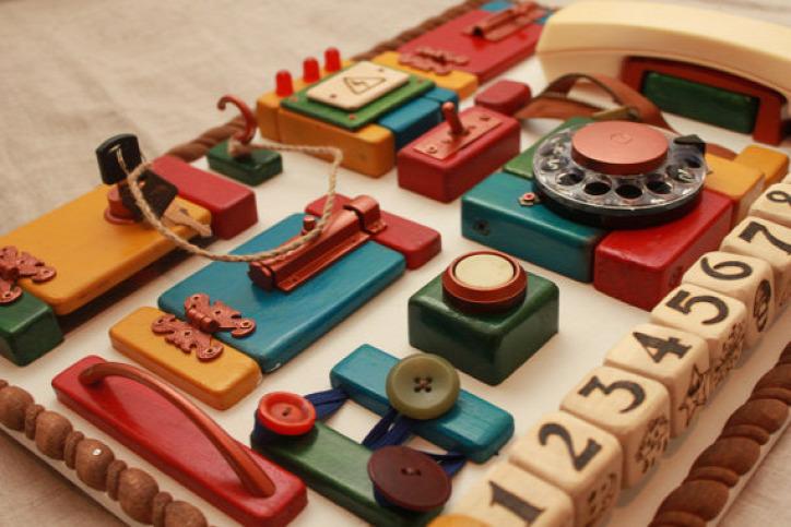 újrahasznosítás matatófal busy board fejlesztő játék gyereknek