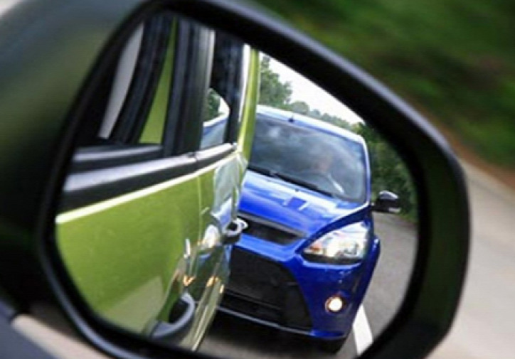közlekedés légszennyezés forgalmi dugó bilaterális kontroll követési távolság autóvezetés járműforgalom