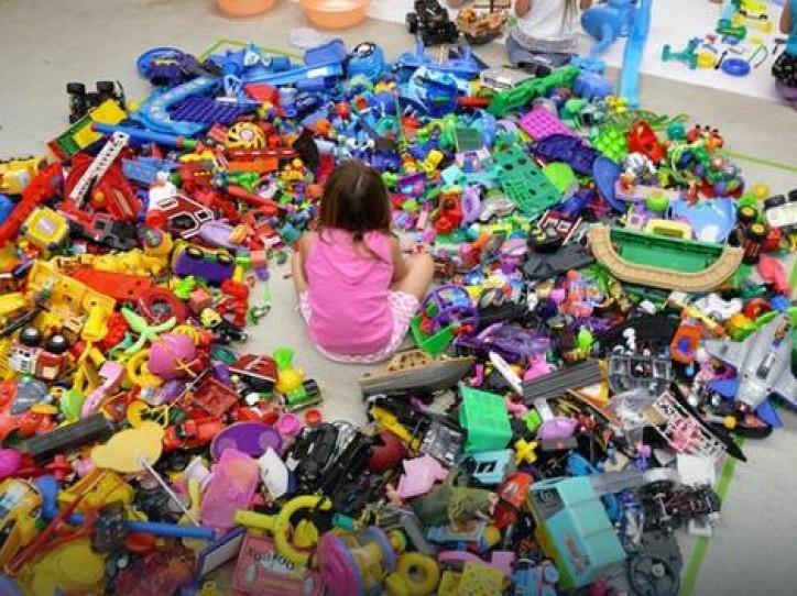 játék gyerek környezetterhelés műanyag