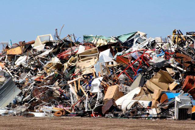 fast furniture újrahasznosítás VOC légszennyezés otthon fenntarthatóság fenntartható építészet