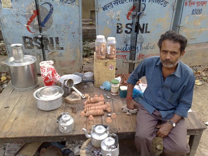 műanyag hulladék agyag cserép India