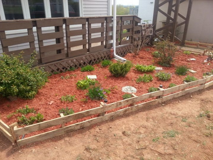 kert újrahasznosítás ágyásszegély otthon
