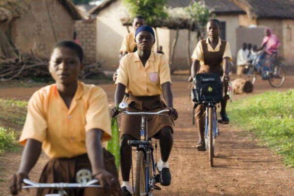 UNICEF UNICEF program Ghána Kerékpár