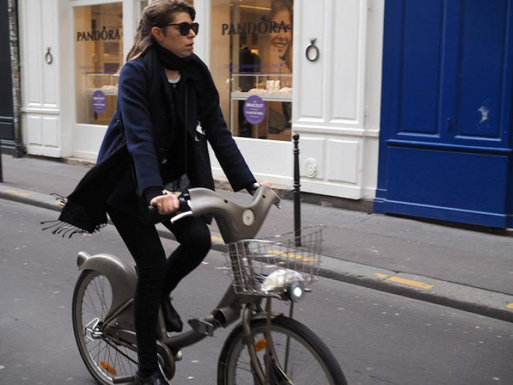 Párizs tömegközlekedés Vélib