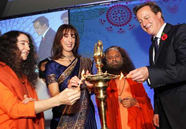 hírességek hinduizmus pudzsa