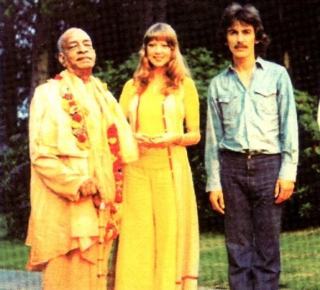 asram guru hinduizmus hírességek reinkarnáció zene