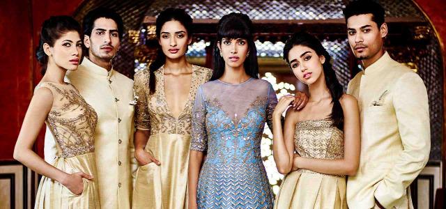 tradíció ahimsza foglalkozások hírességek indiai ruhák üzlet indiai nők