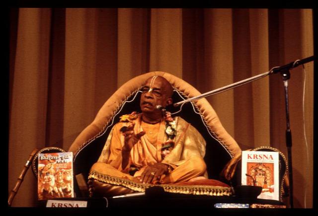Paramadvaiti szvami guru hinduizmus könyv
