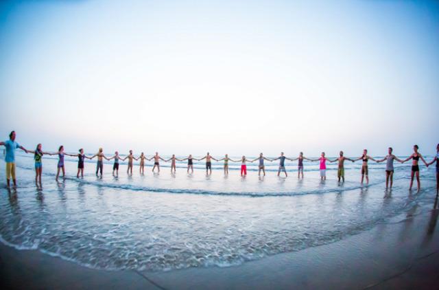 erőszakmentesség jógafesztivál fitness hírek india utazás