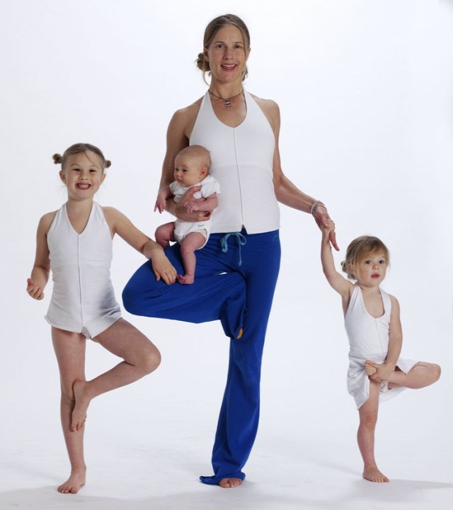 derékfájás hátfájás hírességek jóga hatásai jóga oktatás