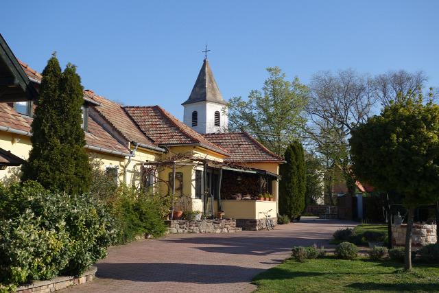 Balatoncsicsó balatoncsicsói plébánia Tagyon szállás vendéglátás