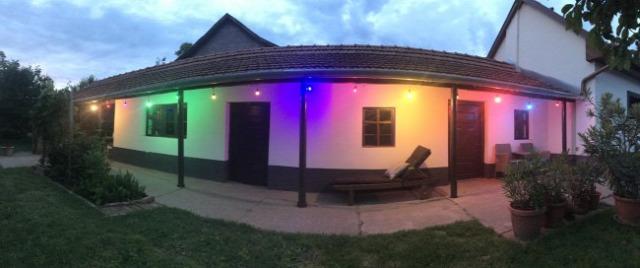 kerti világítás fényfüzér bulifény színes villanykörte partyfény LED világítás anro kert terasz