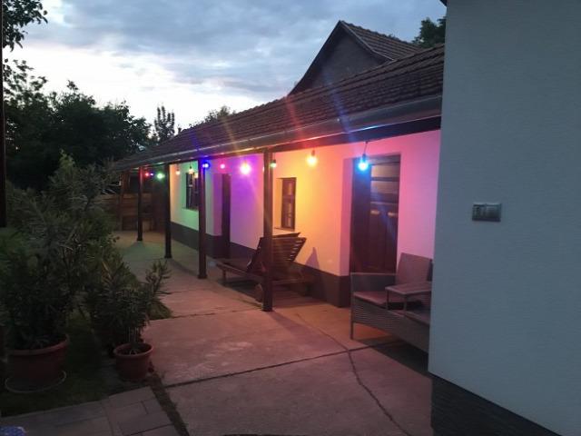 kerti világítás LED világítás bulifény partyfény hangulatfény kerti party anro fényfüzér színes izzó