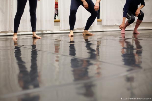 földön tánc sport