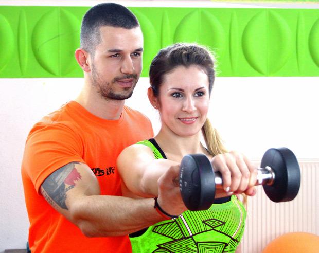 ezt figyeld súlyzó edzés sport súlyzós edzés konditerem személyi edző tanács